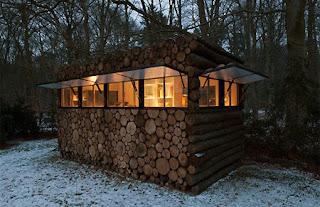 Permalink to Kantor unik dari tumpukan kayu