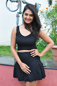 Neha Deshpande at Pochampally Ikat-thumbnail-2