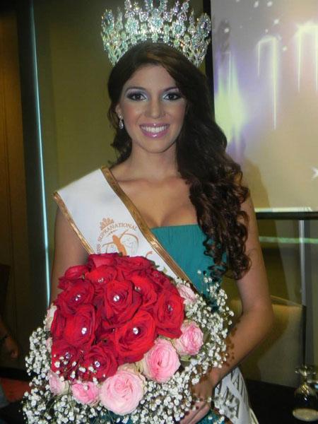 Miss Supranational Panama 2013 winner Yinnela Yohan Yero Torres