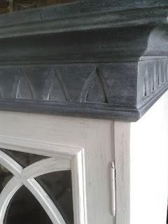 urlu et berlu patiner un meuble vitrine deux corps gris ardoise avant apr s. Black Bedroom Furniture Sets. Home Design Ideas