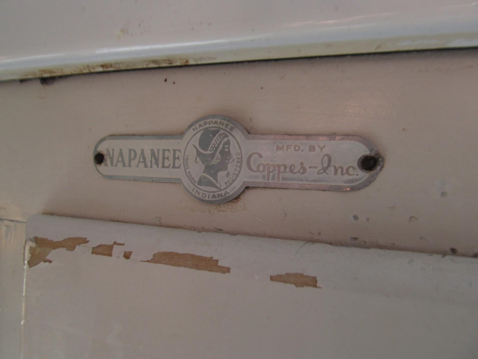 Gentil Napanee Hoosier Cabinet Make Over!!