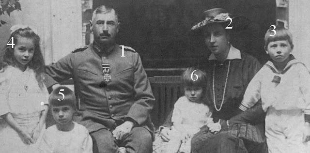 Prince et Princesse Albert zu Schleswig-Holstein-Sonderburg-Glücksburg et leurs enfants