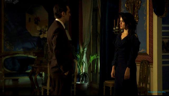 Sira Quiroga vestido azul e Ignacio. El tiempo entre costuras. Capítulo 7