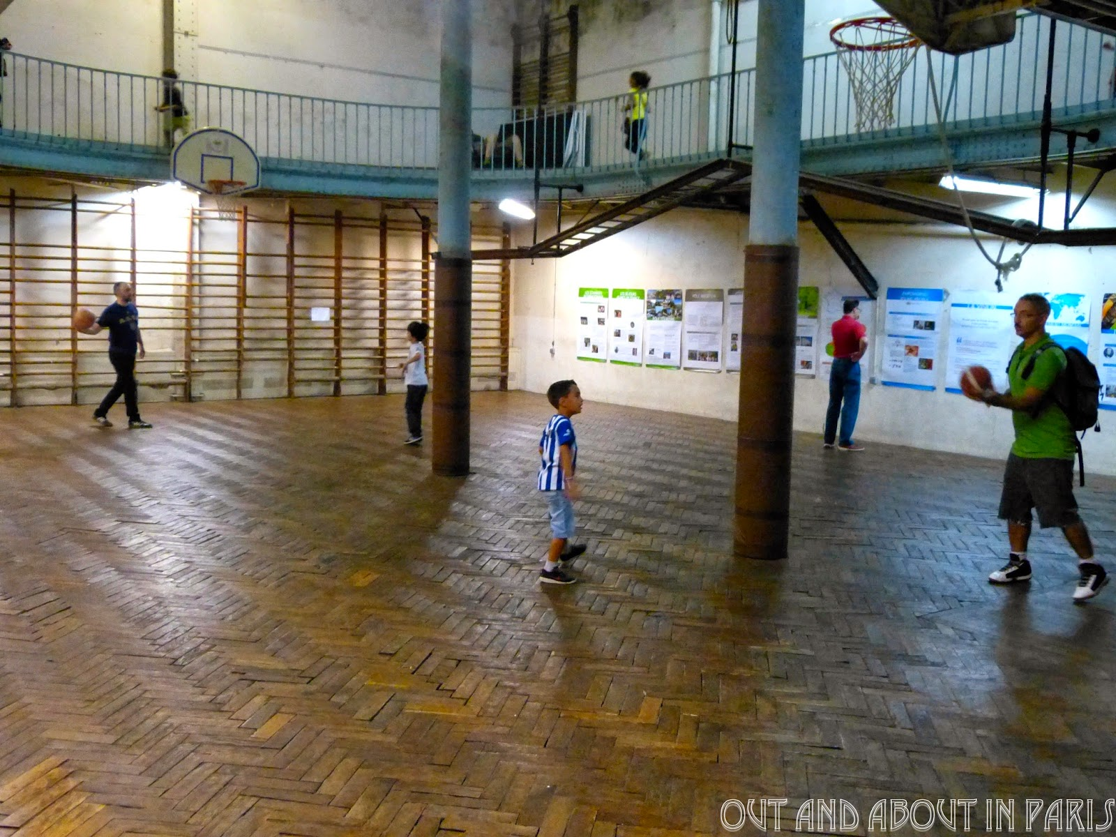 The world 39 s oldest basketball court is in paris for Cheapest way to make a basketball court