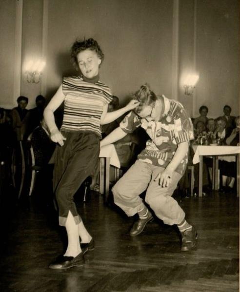 Vintage Dancing #vintage #dance #swing #lindy #hop