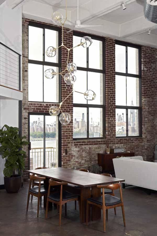 lampara de diseño sobre un comedor alto