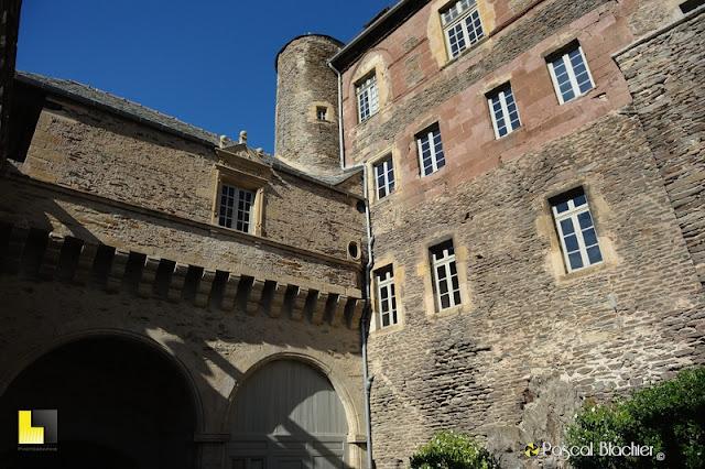 façade du chateau d'estaing photo pascal blachier