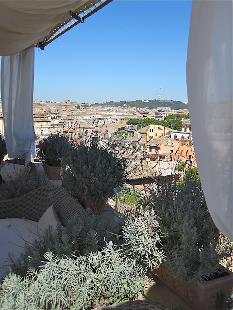 rome cooking class part 2: view from the rooftop and fried pizza dough with tomato-basil dipping sauce