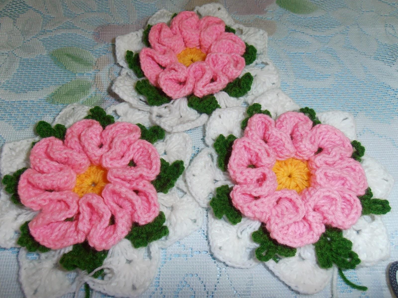 Dielas crochet crocet bunga camelia pink kali ini saya kaitkan bunga camelia berwarna pink pula tetapi masih belum tahu lagi nak buat projek apa memandangkan benang berwarna hijau kehabisan stok ccuart Gallery