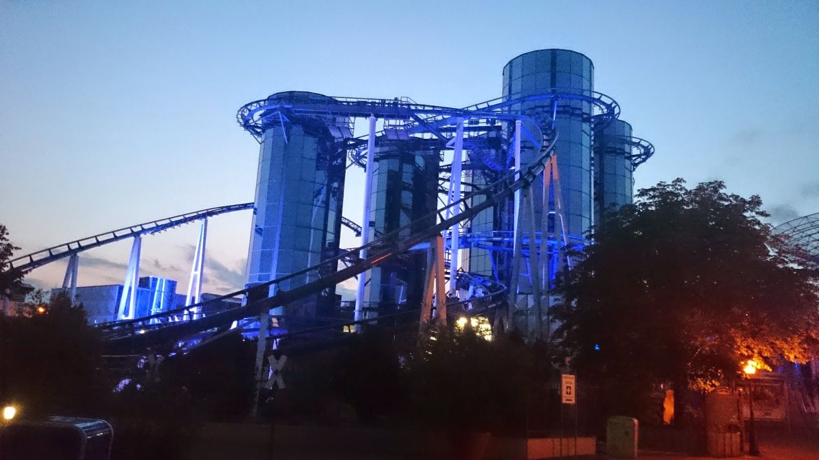eurosat,silver,bluefire,europa park,obiekt,design,szklany budynek,zabawa