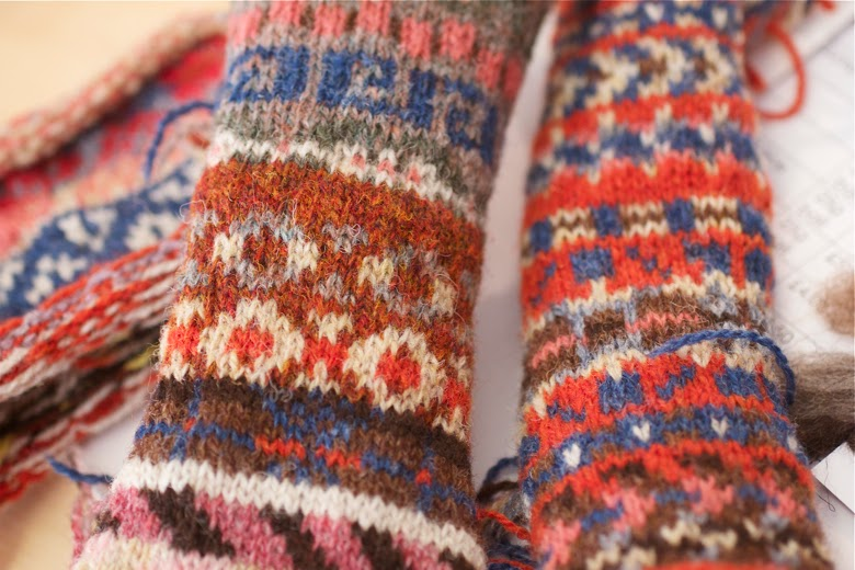 The Wardens Today: FAIR ISLE KNITTING WITH SHETLAND WOOL