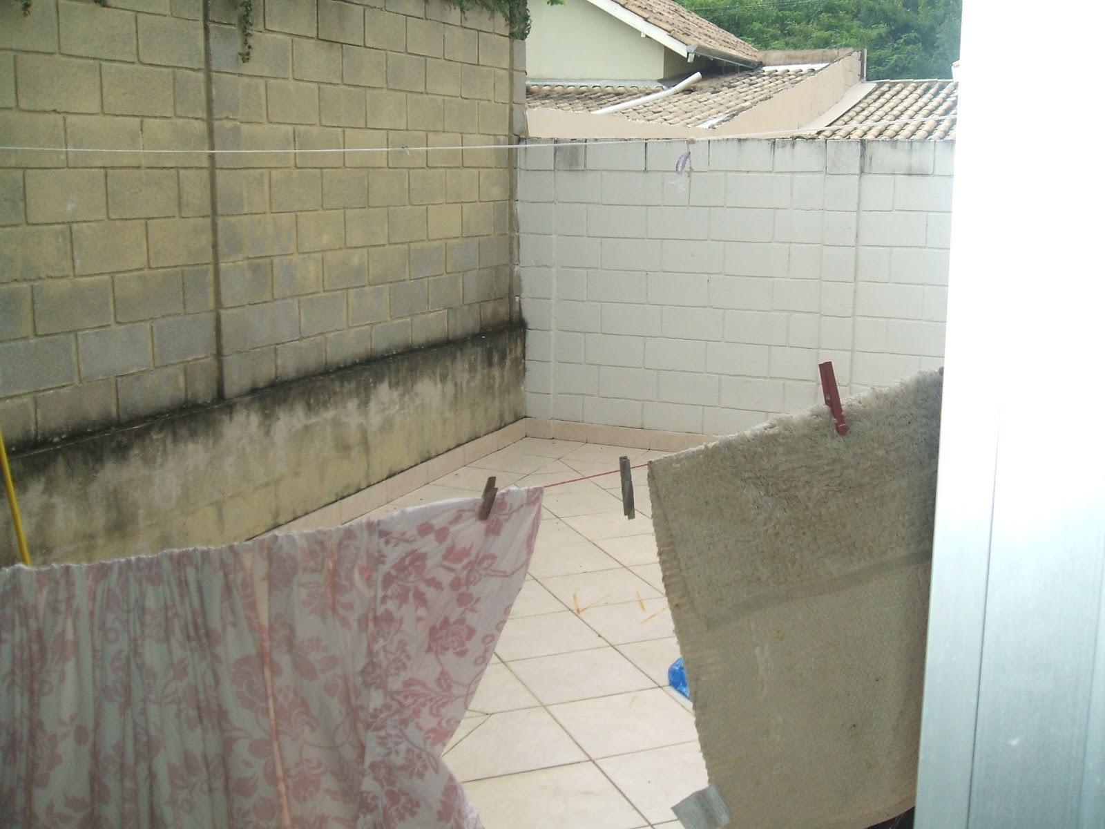 fechada quintal com piso e parte coberta box do banheiro blindex #4E6E64 1600 1200