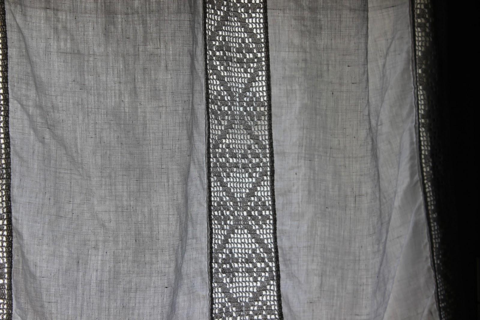 Con un po di filo...: tramezzi di filet per tendine in tela di lino