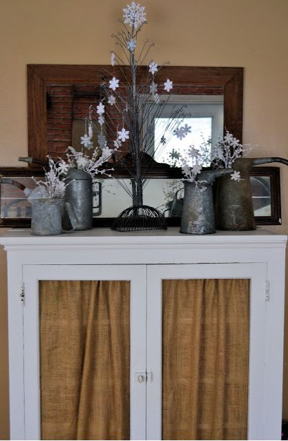 Winter Mantel/Vignette