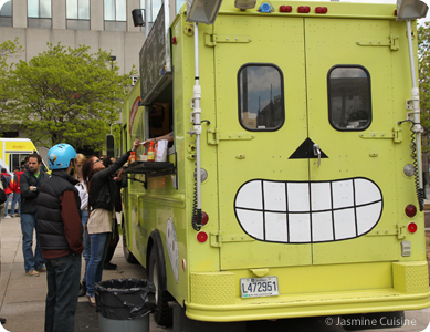 Vam 2012 6 les camions de bouffe montr al jasmine for Pas d cochon dans mon salon comptine