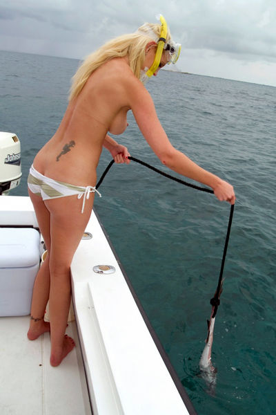 nude female fishing babes