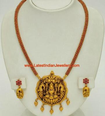 gold nagas pendant