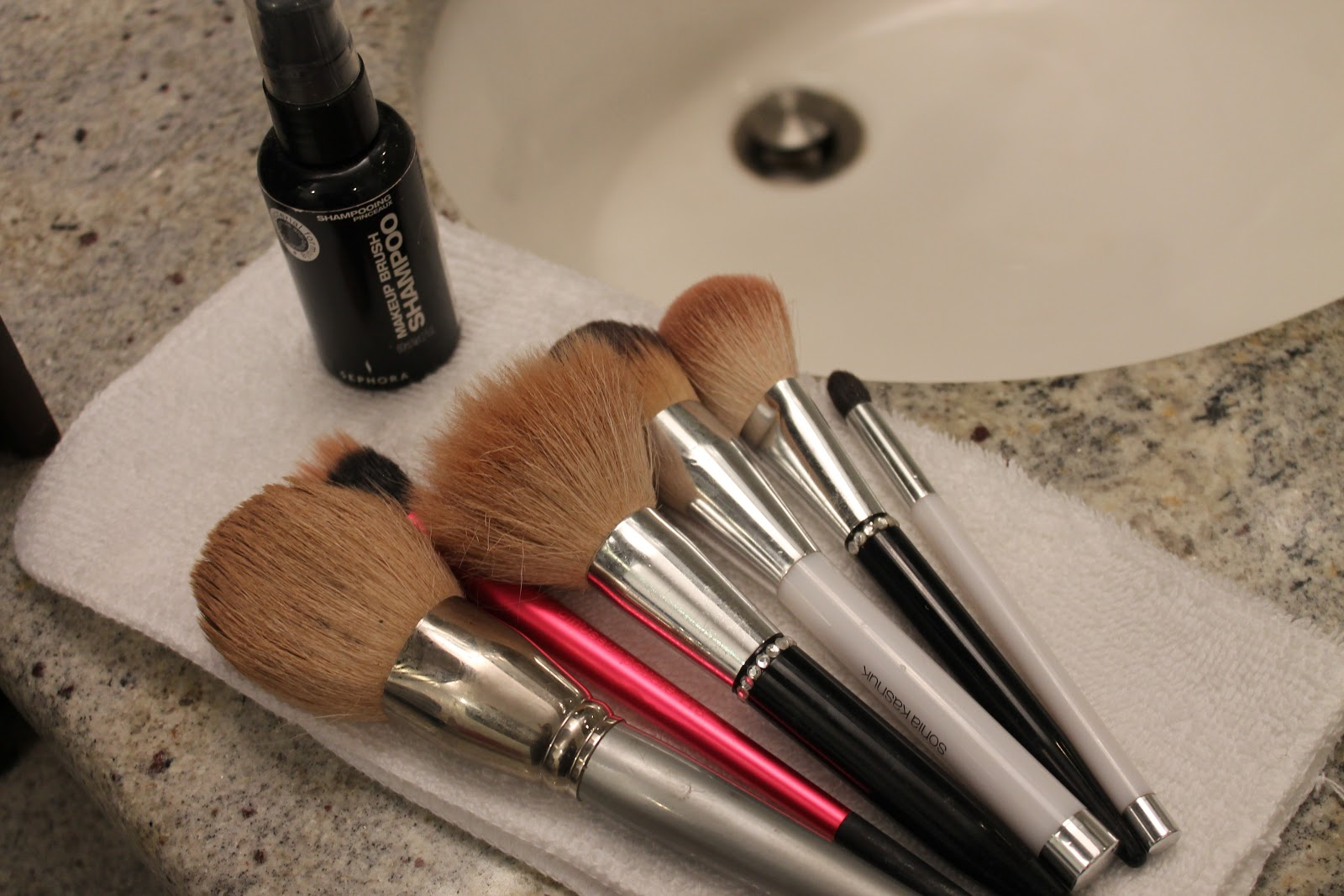 how to clean makeup brushes with isocol