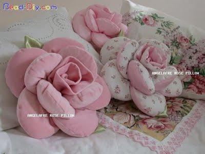 Molde Almofada patchwork formato de rosa passo a passo