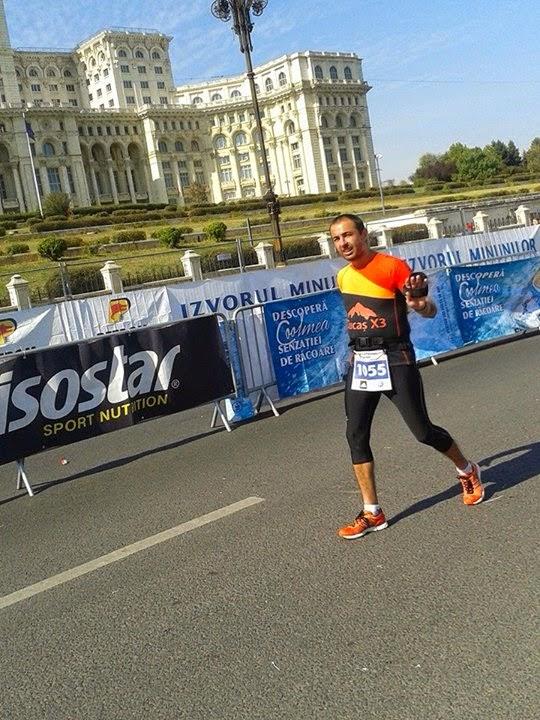 Maraton Internaţional Bucureşti 2014. Remediul împotriva răcelii. Florin Chindea pe traseu