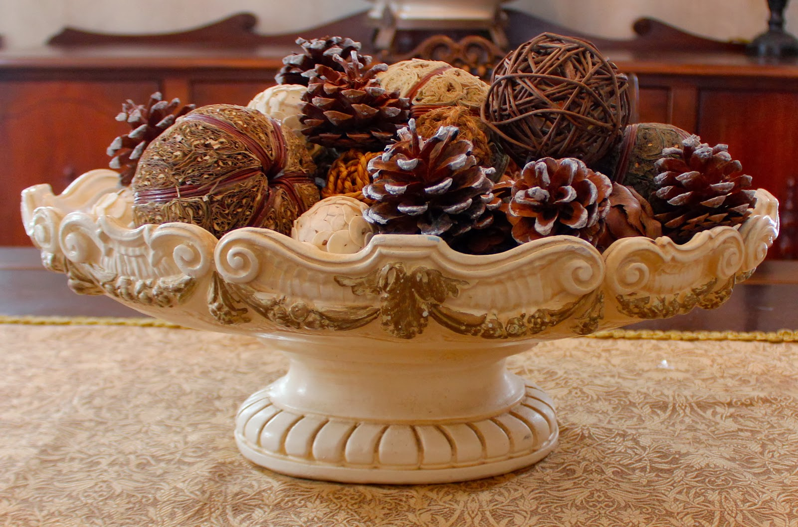 Dining Room Table Centerpiece Bowls Indiepretty
