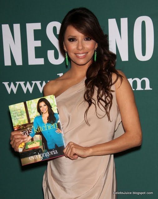 Eva Longoria - Barnes & Nobles in Los Angeles-7