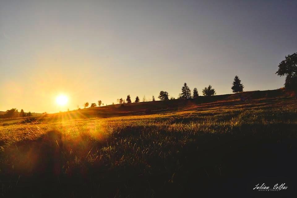 Apus de soare pe Șeștină