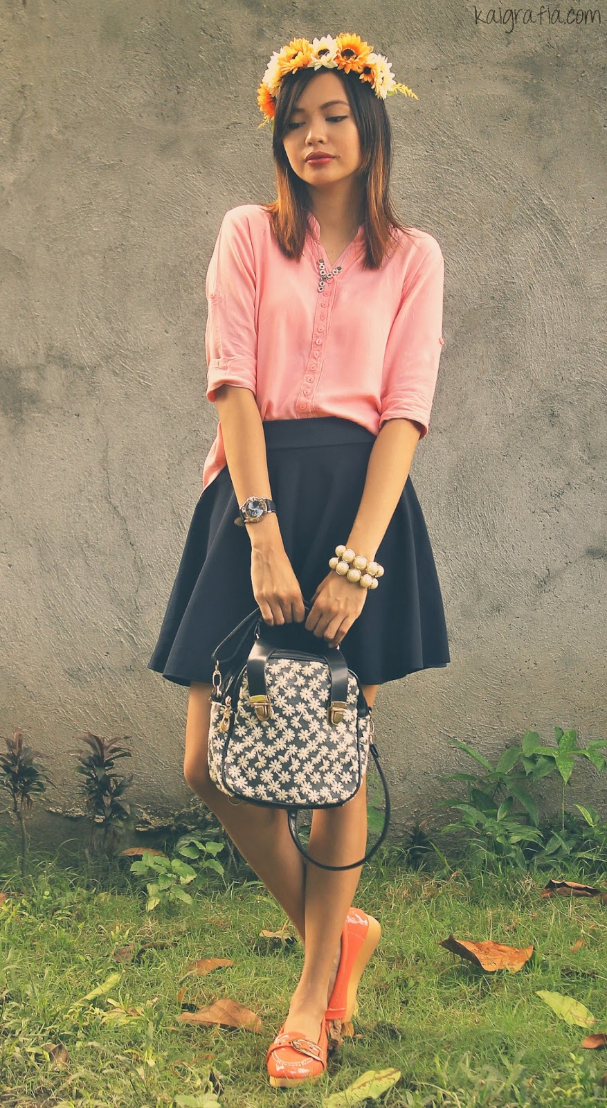 simple outfit of the day peach and flowers