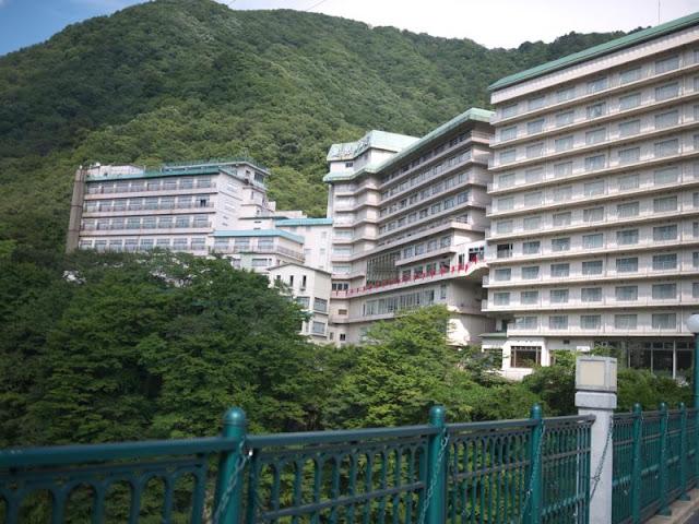 現役ホテルも、すごい外観をしている