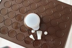 LARGE MACAROON SILICONE MAT