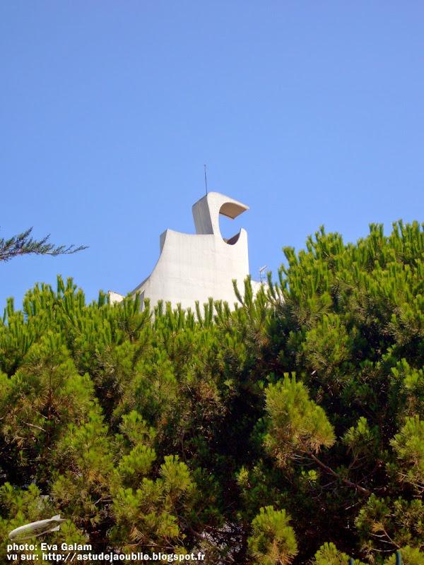 La Grande-Motte - La Grande Pyramide  Architecte: Jean Balladur, Jean-Bernard Tostivint  Construction: 1973 - 1974  Sculpteurs: Michèle Goalard, Albert Marchais ( Jardin des Médailles)