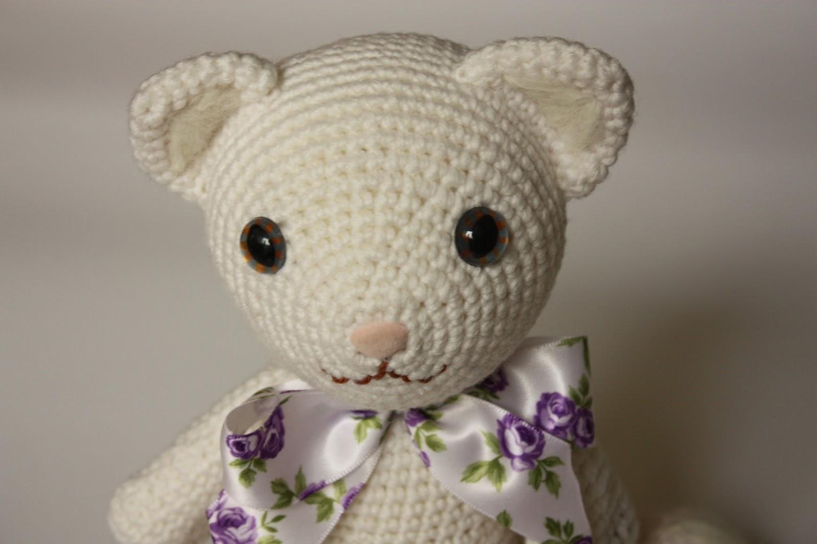 Amigurumi Cat Toys : HAPPYAMIGURUMI: New Amigurumi Pattern - Amigrumi White Cat ...