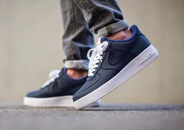 Nike-Air-Force-1-Low-Obsidian-White-Blue-Legend-Yacht-Club-aux-pieds-1.jpg