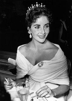 Liz Taylor famous diamond tiara