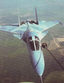 Отработка дозаправки в воздухе на Т-10В-1.