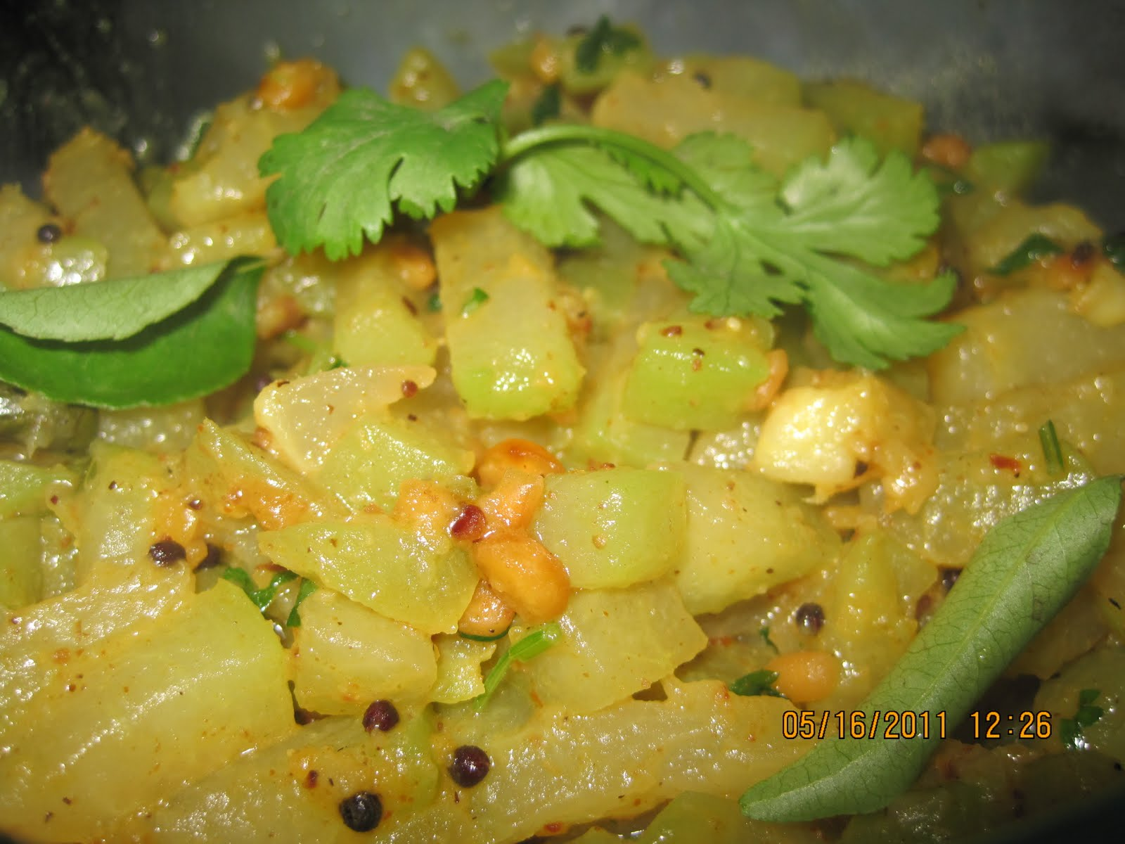 simple food recipes chayote curry. Black Bedroom Furniture Sets. Home Design Ideas