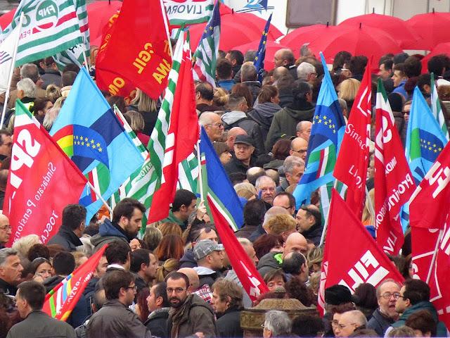 Unions demonstration, piazza della Repubblica, Livorno
