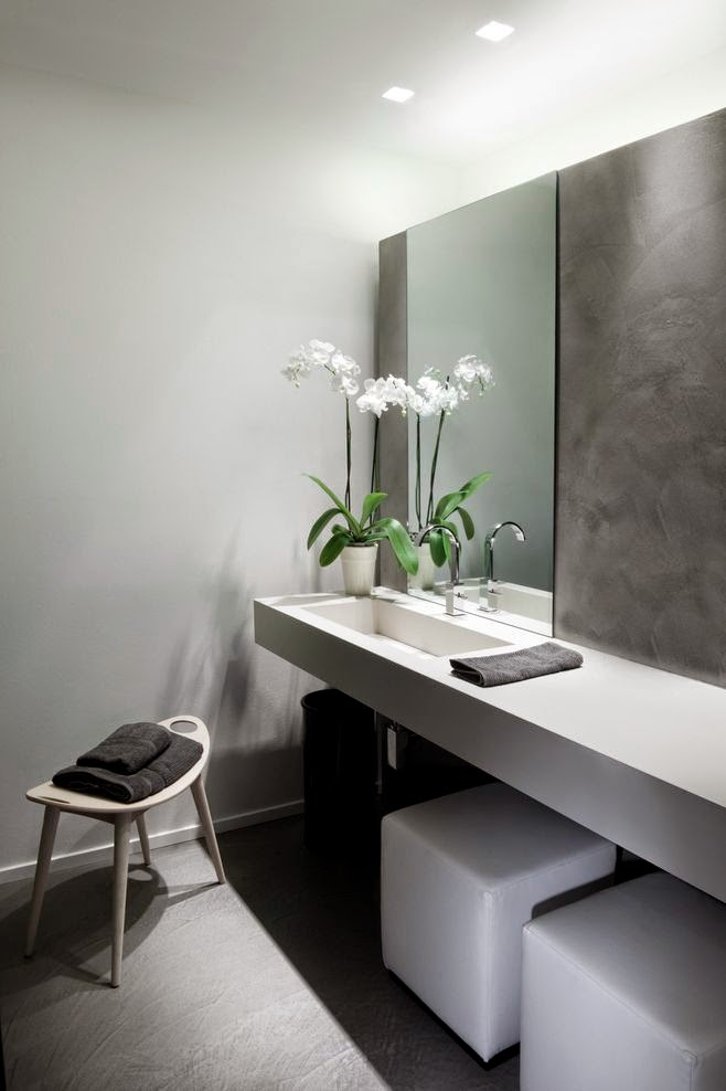 27 ba os minimalistas en fotos cuando menos es m s for Bano bajo escalera planta