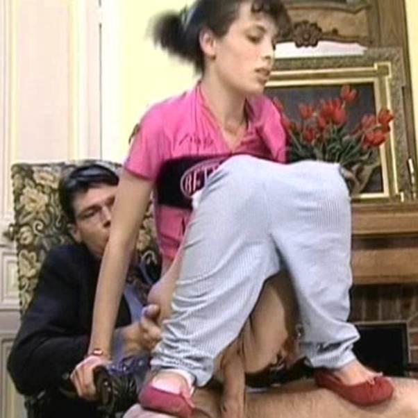 Групповой инцест порно мама сын и дочь  зарубежные и