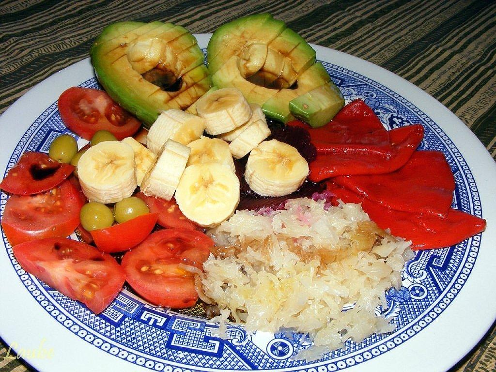 Ensalada de aguacate y pl tano receta vegetariana - Comida vegetariana facil de preparar ...