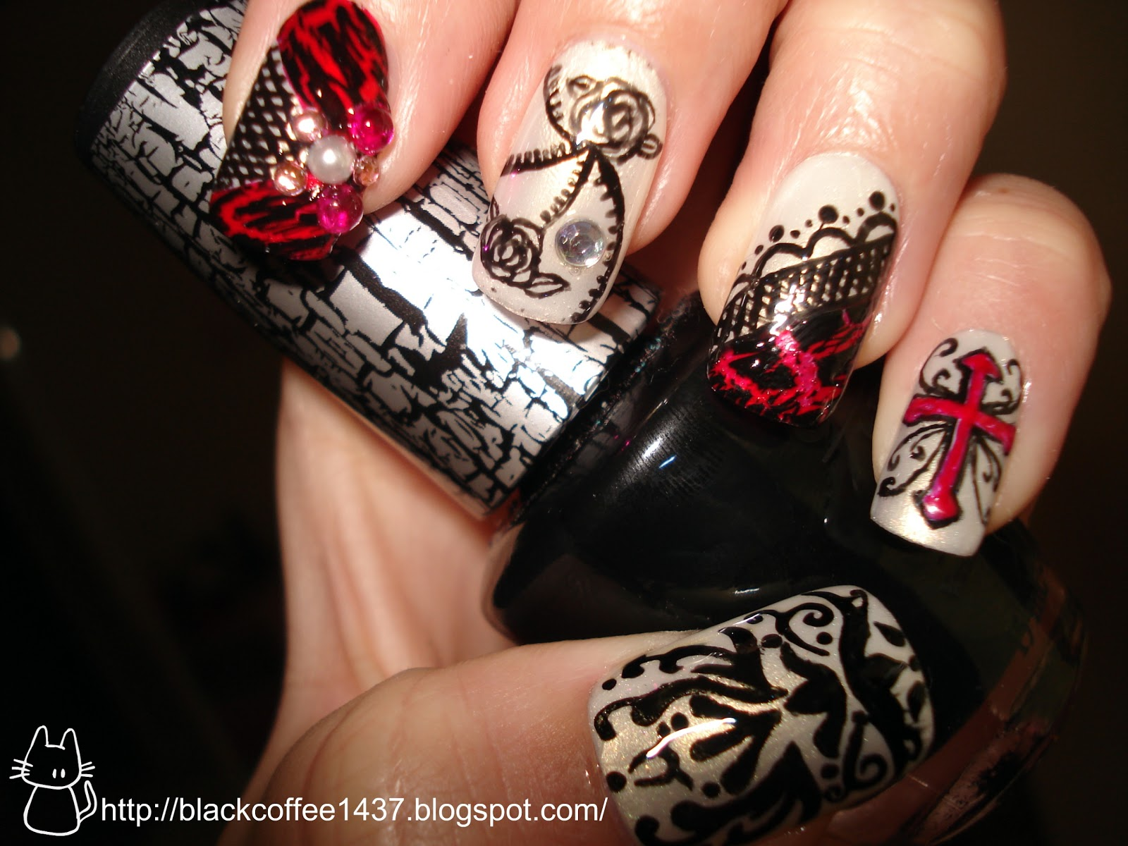 Silence is Loud: Gothic Loli nail art