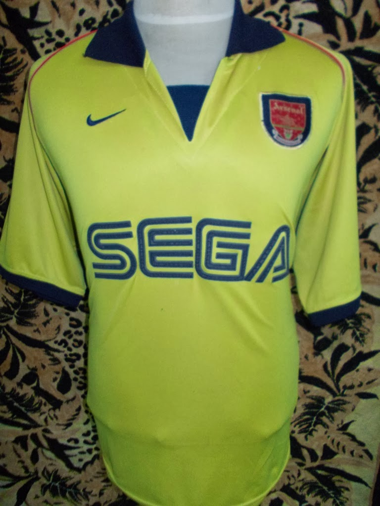 ARSENAL VTG 2001-2002 JERSEY -RM 95-TAG MISSING-SIZE XL
