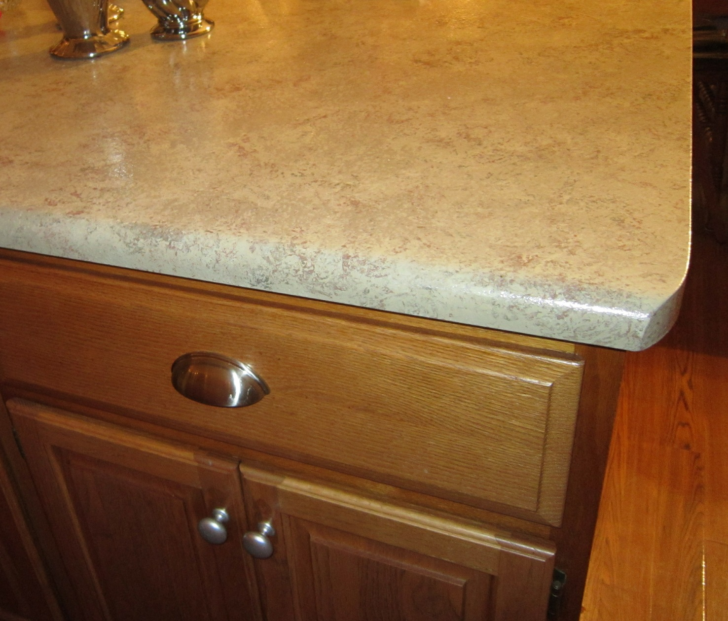 Kammys Korner: Moms Gorgeous Painted Countertops