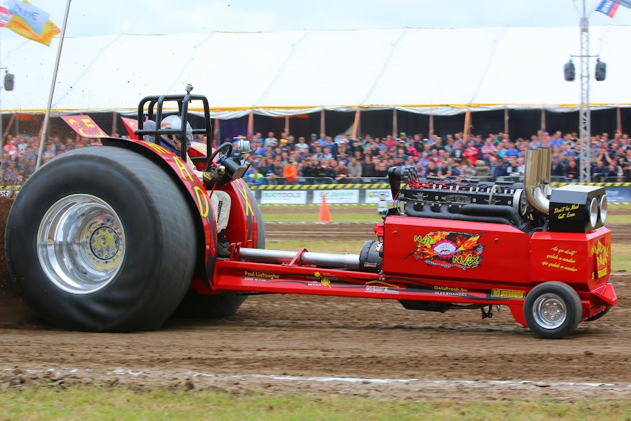 Tractor Puller Clutches : Tractor pulling news pullingworld the new mad max