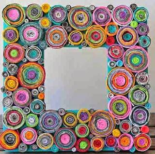 http://manualidadesreciclables.com/15277/marco-reciclado-con-revistas