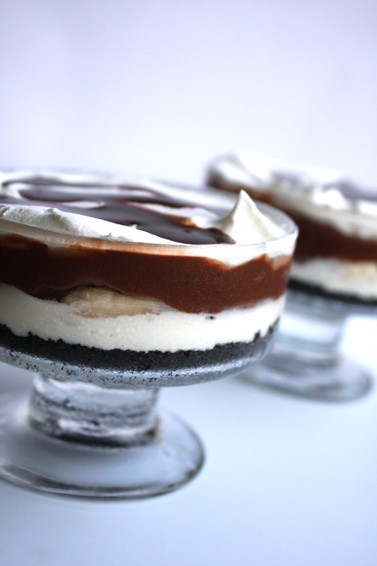Oreo Whip Cream Pudding Dessert http://butyoucancallmecrazy.blogspot.com/2011/05/grownup-dirt-layered-dessert.html