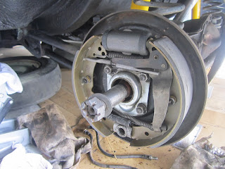 Left drum brake Volvo 122S with new parts