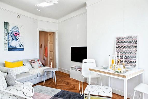 mesa que abre - parede branca - pequenos espaços - ideia de decoração - apartamento iluminado