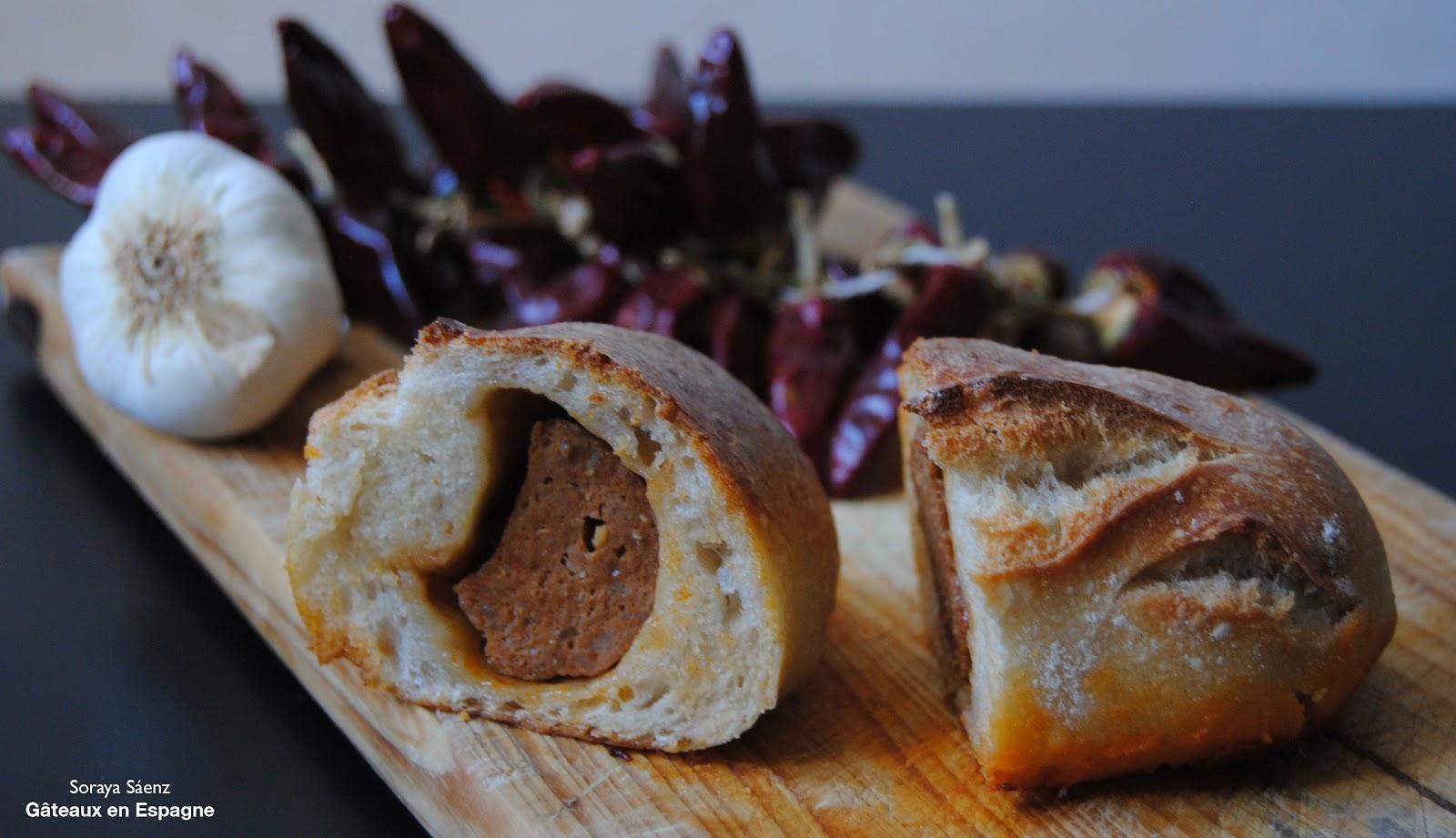 g u00c2teaux en espagne  le  u0026 39 pre u00f1ao u0026 39   le pain espagnol au chorizo