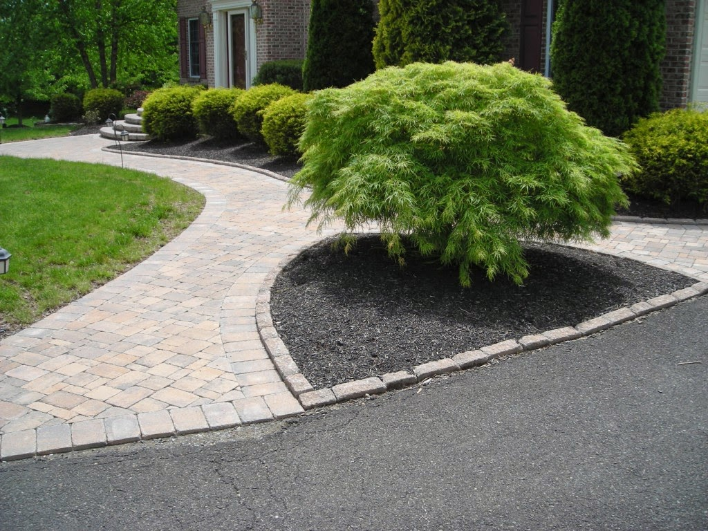The wonderful design paving stone walkway ideas picture for Paving designs for small garden path